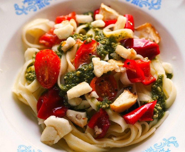 Pasta with vegetables and basil pesto