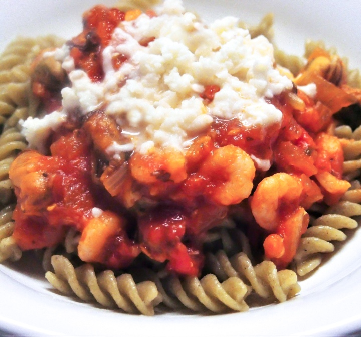 Pasta sauce made of tomatoes, shrimps and mussels