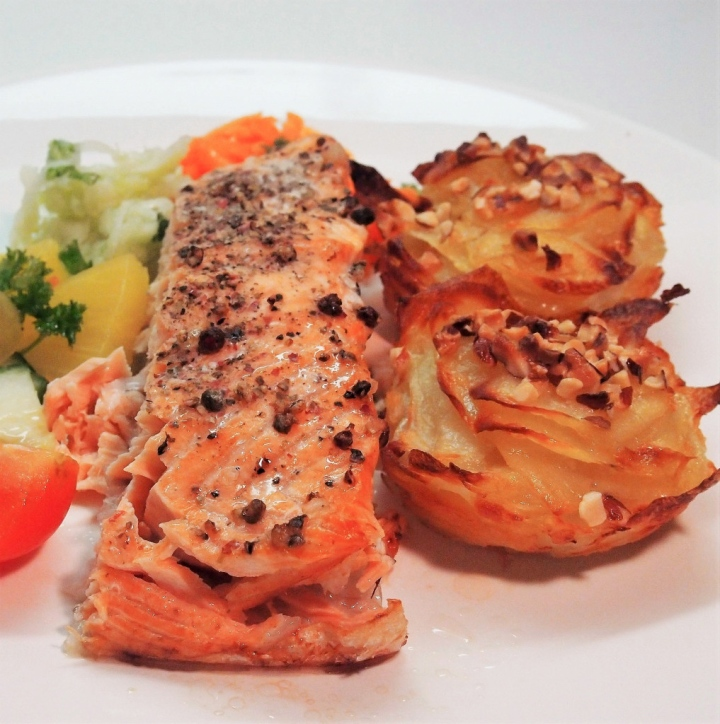 Oven baked salmon with garlic potato cakes