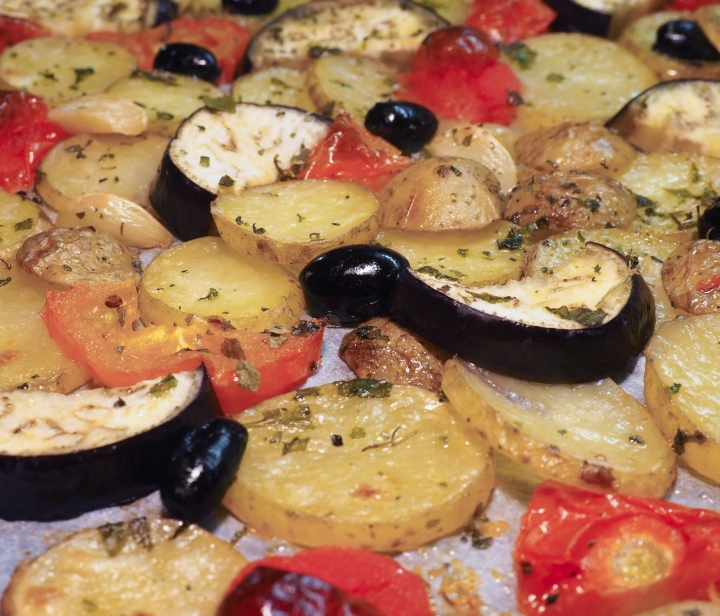 Baked potatoes and eggplants